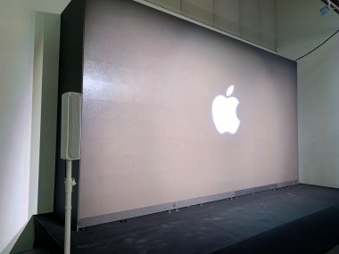 Apple developer's conference, NYC 2019Unilumin 2.6mm LED wall